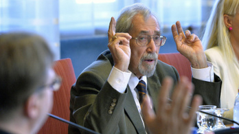 Portik nem csak Rogánt, egy másik kormánypárti képviselőt is bemártott