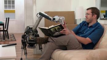 Ez a robotkutya még a sört is kihozza