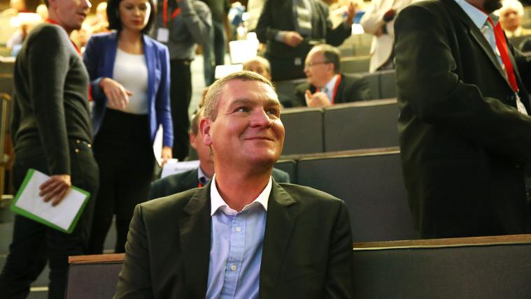 Leszavazták Botka Lászlót a szocialisták, Hiller a választmány elnöke