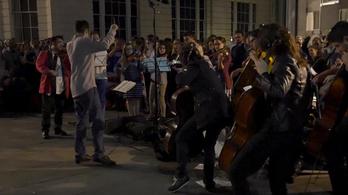 Zenészek demonstráltak a Brexit ellen