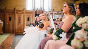 A templomban elkezdett szoptatni a menyasszony