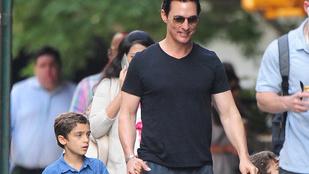 Matthew McConaughey nemcsak szép, de cuki apuka is