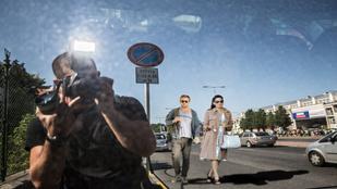 Ön elhiszi, hogy ebben az autóban Ryan Gosling és Eva Mendes ül?