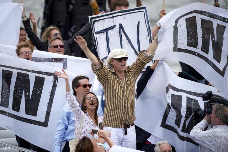 Az Európai Unióban maradást szorgalmazó Sir Bob Geldof rockzenész (k)