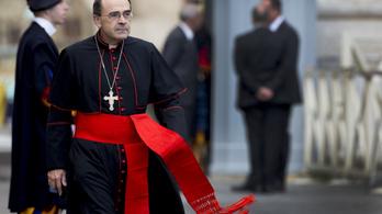 Négy francia papot függesztettek fel szexuális visszaélések miatt