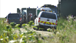 Felrobbant egy bomba a Hortobágyon: 4 tűzszerész meghalt