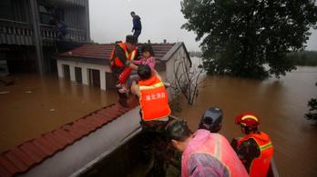 Több mint 180 halottja van a kínai árvíznek