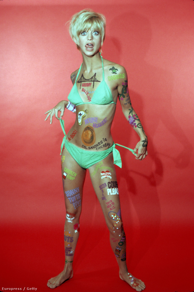 Goldie Hawn rövid hajjal, zöld bikiniben pózolt.