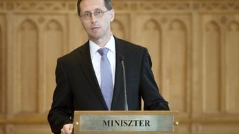 Varga: 400 ezer munkahely szűnhet meg Magyarországon
