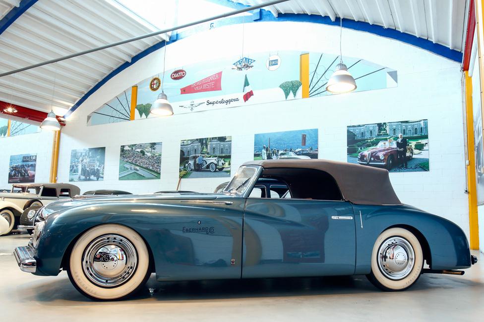 Két ilyen kocsi maradt fenn, ez az a darab, amely az 1947-es párizsi és New York-i autókiállításon szerepelt. Ötszemélyes a convertible felépítmény, a luxust az is hangsúlyozza, hogy a maszkról hiányzik a logó, pedig az Alfa Romeo egyébként sem épp a kispénzűeknek gyártott akkoriban.