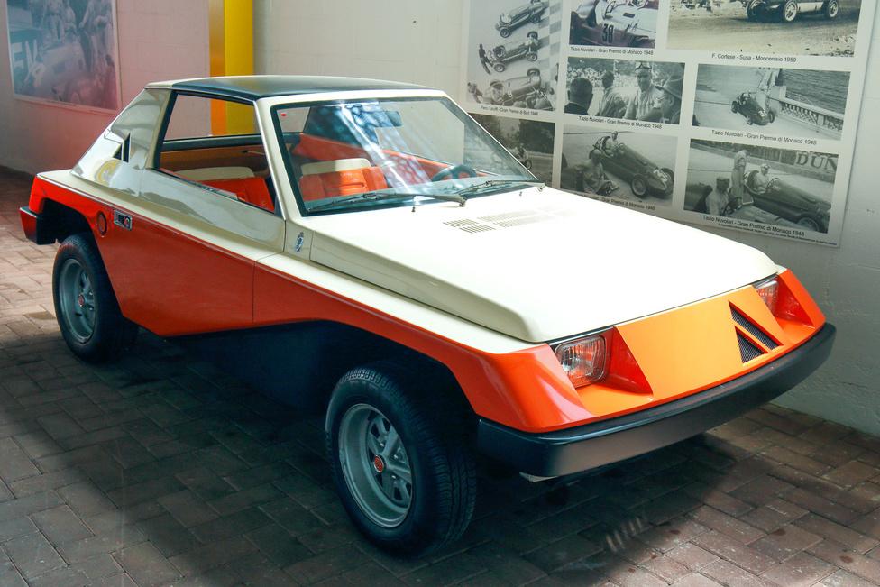 Egyedi darab az Autobianchi A112 Giovani, melyet a Pininfarina tervezett 1973-ban. Az Abarth 112 alapjaira készült, 58 lóerős, 982 köbcentis motor mozgatja – akár 150 km/h sebességgel. A kicsivel később népszerűvé vált buggyk előfutára lehetett volna, ha sorozatgyártásba kerül.