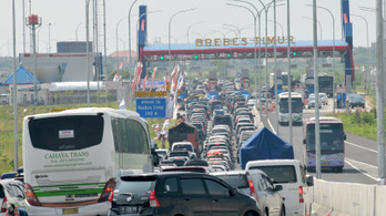 Akkora gigadugó volt Indonéziában, hogy 12-en belehaltak