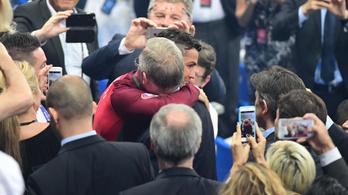 C. Ronaldo csókkal üdvözölte élete edzőjét