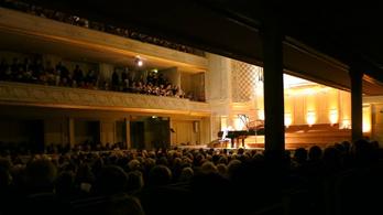 Fidelio Napi Zene – Debussy:  E-dúr arabeszk, No. 1