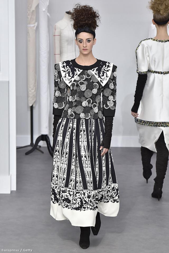 Karl Lagerfeldnek nem tetszik, hogy szakadtnak öltöznek a kőgazdagok, azért egy ilyen elegáns haute couture kollekcióval rukkolt elő Párizsban.