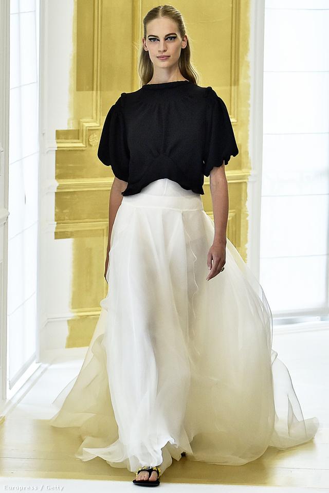 Axente Vanessa a Prada és Chanel szerződéssel a zsebében vonult végig a Christian Dior kifutóján.
