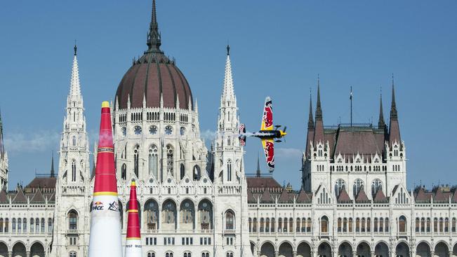 A száguldó repülő cirkusztól dübörög a rakpart hétvégén