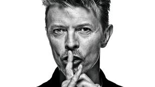 Minimum 10 millió fontot várnak David Bowie műgyűjteményének árverésén