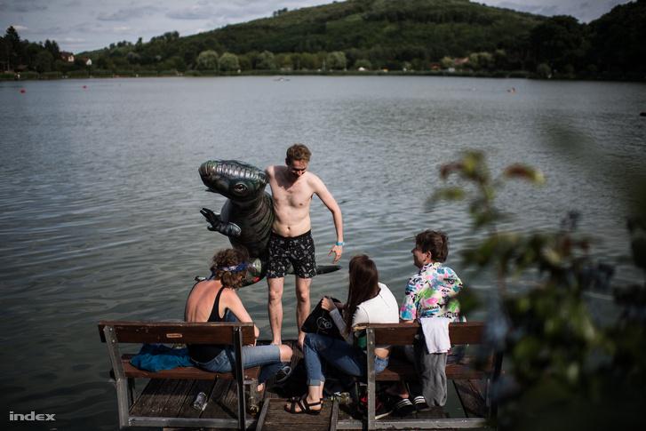 Ahogy minden évben, úgy idén is a tóparti stégek jelentették a legkirályabb helyszínt.