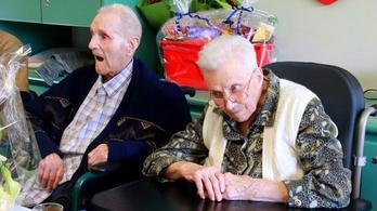 77 évig éltek szerelemben, egy napon haltak meg