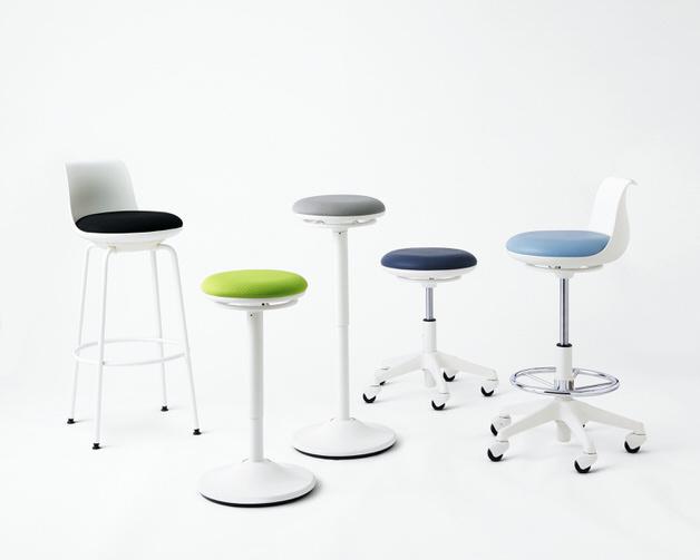 A letisztult dizájnt kapott irodai székeket a japán Naho Ono tervezte az Okamura megbízásából.