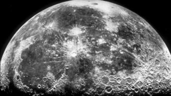 Törpebolygó rajzolt arcképet a Holdra