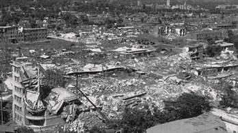 Százezrek haltak meg a rettenetes tangsani földrengésben