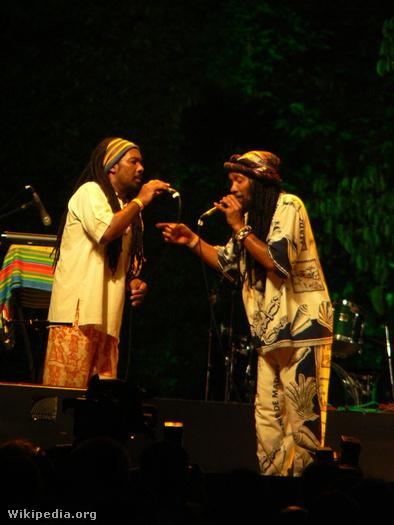 Egy madagaszkári banda a Rainforest világzenei fesztiválon