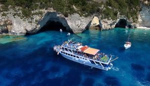 A víz alatti barlangok és az álomszép strandok szigetei