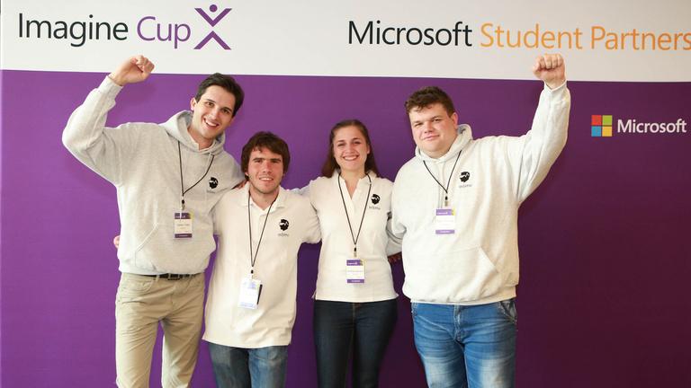 Magyar orvostanhallgatók hódítják meg a Microsoftot