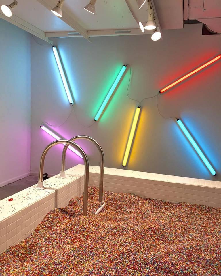Cukorkás merülő medencével nyílt meg a fagyimúzeum New Yorkban
