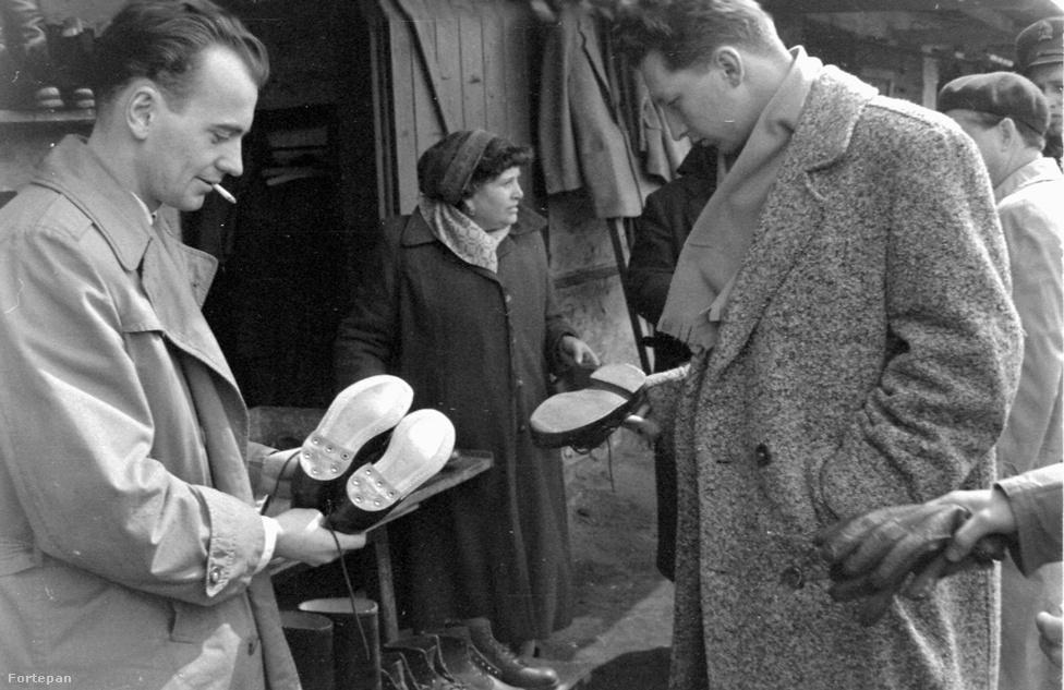 Az alapvető ruhadarabok hiába maradtak olcsóak, az elegánsabb cuccok, a luxustermékek, különösen mondjuk az öltönyök, zakók piszok drágának tűntek a nem valami magas keresetekhez viszonyítva. A hatvanas években a bruttó havi átlagkereset 1500 forintról 2000 környékére nőtt, miközben egy férfiöltöny 1000-1300, egy télikabát 1200-1400 forintba került. Sokan ezért a kor legfelkapottabb, leghíresebb vintage retro shopját, vagyis az Ecseri úti piacot túrták fel használt ruhák és cipők után kutatva. Mivel a kínálat összehasonlíthatatlanul szűkösebb volt, a  márkaélmény pedig gyakorlatilag ismeretlen fogalom, az Ecserin szinte nem is lehetett mellényúlni. A KSH adatai szerint 1952 és 1968 közt a reálbérek 214%-os növekedését a fogyasztás 202%-os emelkedése követte, a háztartások pedig a családi büdzsé 11-12%-át költötték ruhákra. Ezt leggyorsabban a korabeli plázákban lehetett elverni: a még 1948-ban létrehozott Állami Áruházak Vállalat utódjának számító Centrum Áruházak voltak a hazai plázák elődei, 1963-ban már 35 Centrum áruház működött az országban.