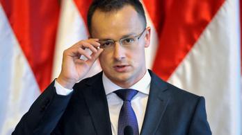 Szijjártó 56 átértelmezése miatt bekérette az orosz nagykövetet