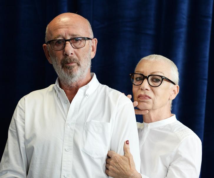 Viktor és Irina Yelchin a keddi sajtótájékoztatón, Beverly Hillsben