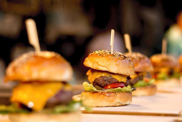 Burgerek a Palettában