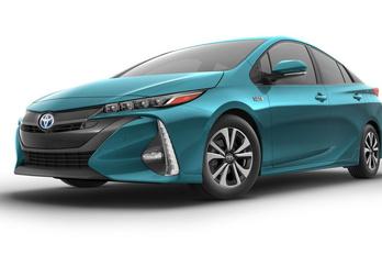 Késik a konnektoros Toyota Prius