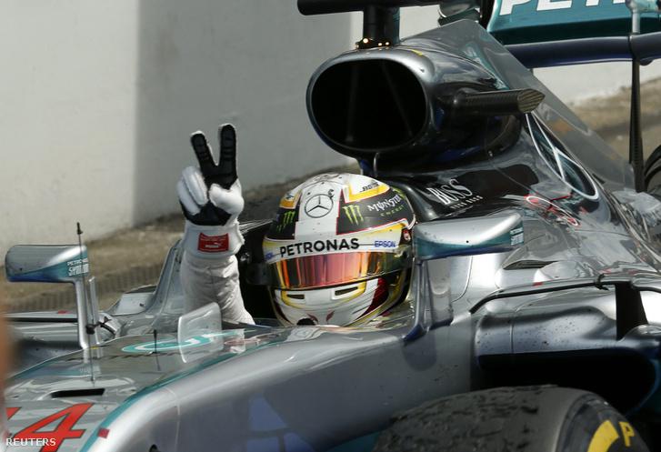 Hamilton nyer Hockenheimben