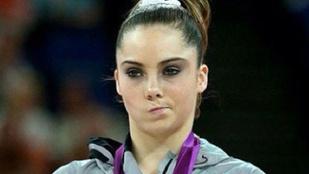 Emlékeznek a londoni olimpián fintorgó tornászlányra?