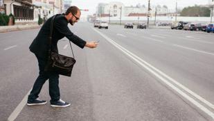 Az sms-nyak után itt vannak az okostelefon-balesetek