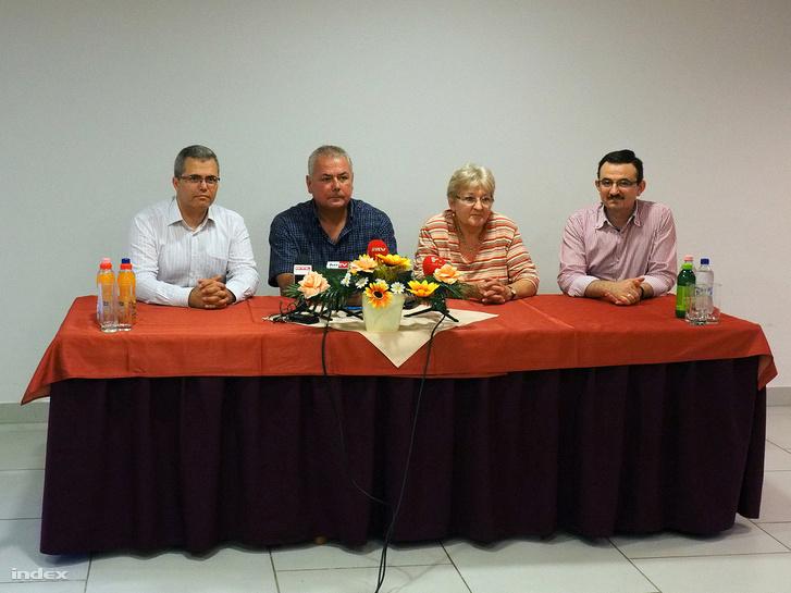 Efkan Ünlü igazgató (b) és Orosz Balázs igazgatóhelyettes (b2)