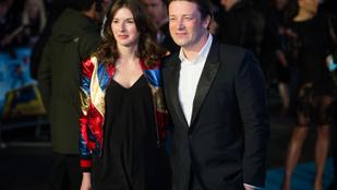 Megszületett Jamie Oliver ötödik gyereke