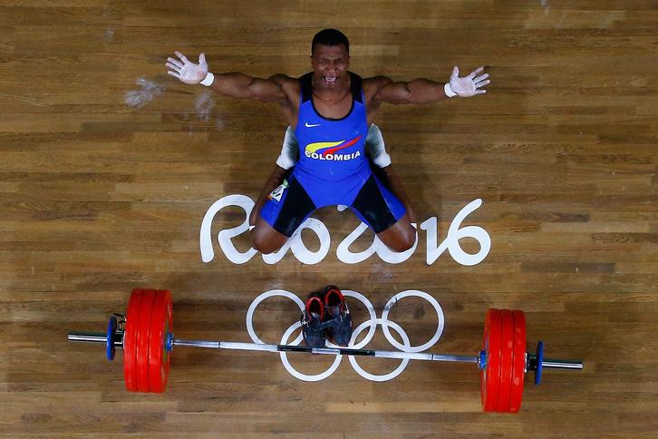 Albeiro Figueroa Mosquera kolumbiai súlyemelő a 62 kilósok kategóriájának győztese. Győzelmével szerezte meg Kolumbia az első aranyérmét Rióban.
