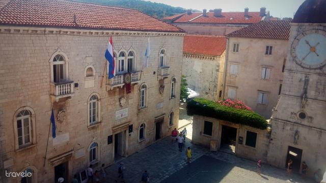 Városháza a trogiri főtéren