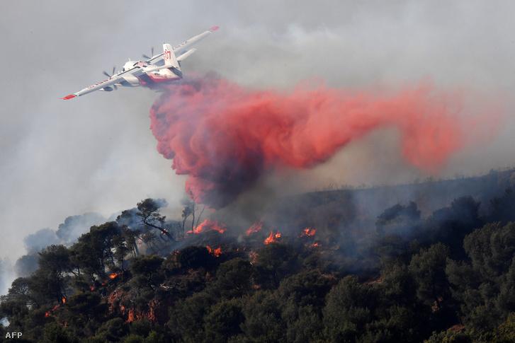 Erdőtűz pusztít Vitrolles mellett is