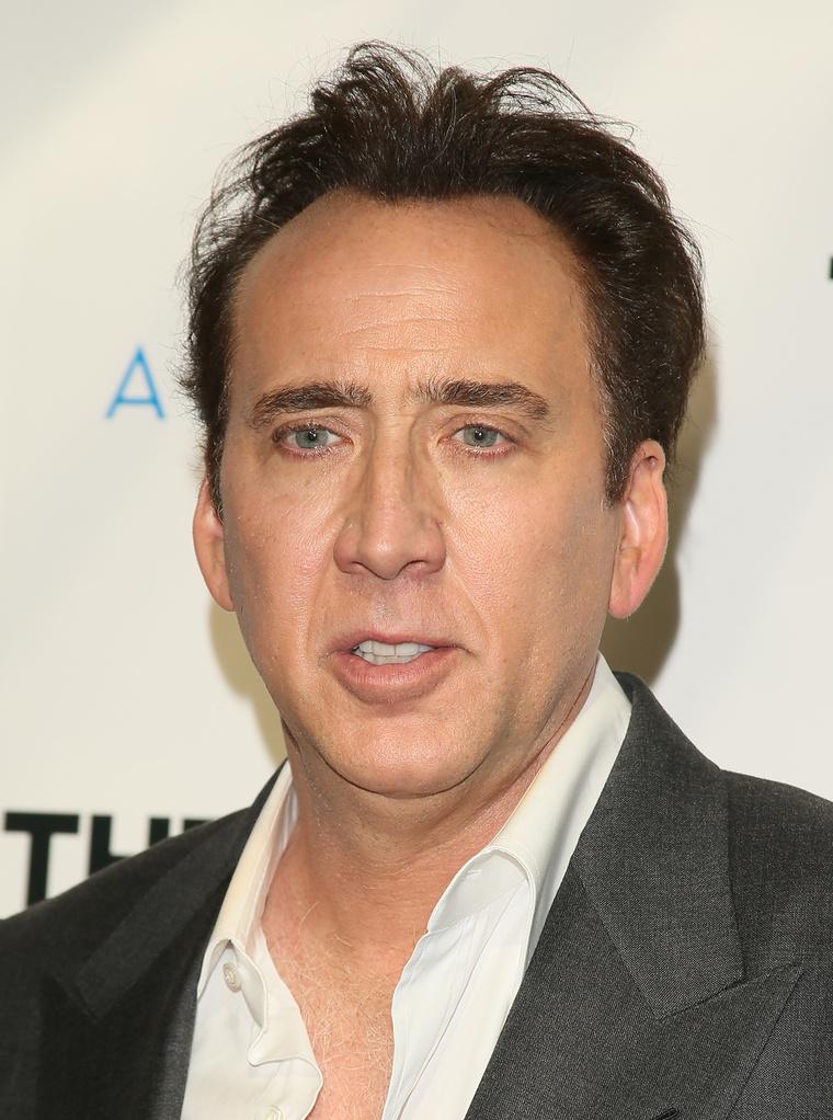 Ő az igazi vagy a viasz Nicolas Cage??