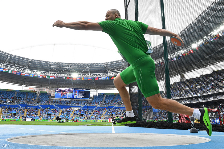 Kővágó Zoltán a 9. helyen jutott be a diszkoszvetés szombati döntőjébe.