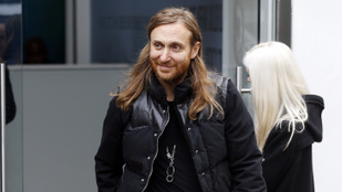 Már megint bulizhat egy nagyot David Guettára!