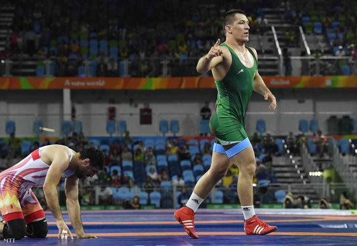 Lőrincz Viktor legyőzte a világbajnoki ezüstérmes üzbég Rustam Assakalovot.