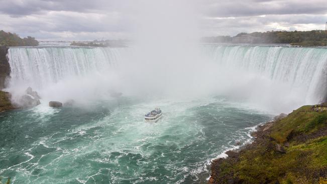 A Niagara-vízeséshez visz a világ legrövidebb repülőjárata