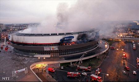 1999 december 15-én kora hajnalban kigyulladt a Budapest Sportcsarnok.